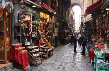 spaccanapoli-street